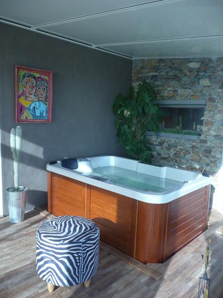 prix jacuzzi interieur le spa encastr ou semi encastr bewell france prix d un jacuzzi extrieur. Black Bedroom Furniture Sets. Home Design Ideas
